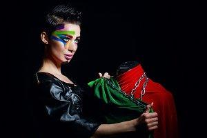 Stylist swathes mannequin chains