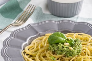 Spaghetti with pesto with pine nuts