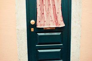 Lisbon door #9
