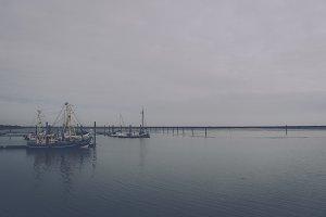 Small Harbor (Dark Vintage Look)