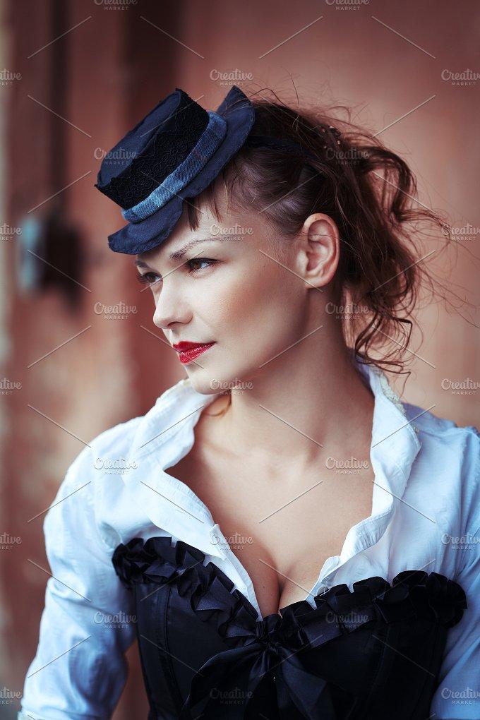 Victorian style. Woman portrait. - Beauty & Fashion