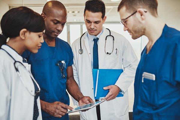 Team of multiracial doctors at hosp…