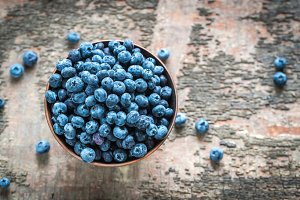 Bowl of fresh blueberries