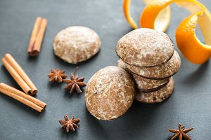 Gingerbread cakes with spices