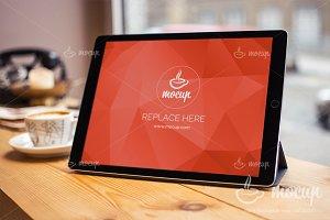 PSD Mockup iPad Pro La Boheme