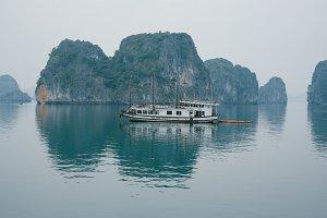 cruise boat on ha long bay