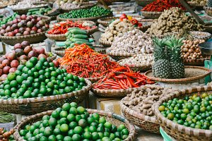 spices and fruits in hanoi market