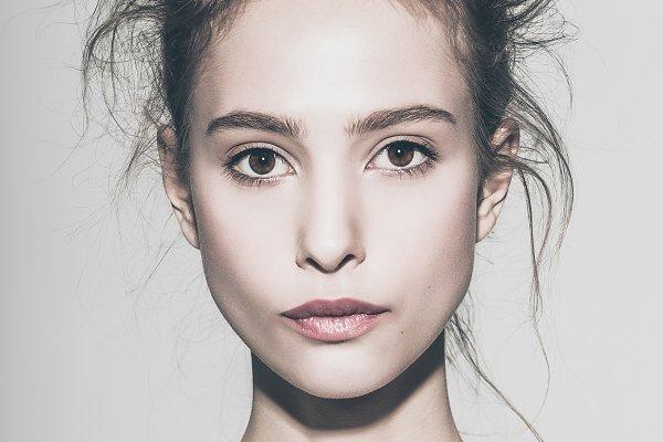 Glamour portrait of beautiful woman…