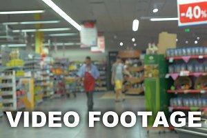 Defocus of people shopping