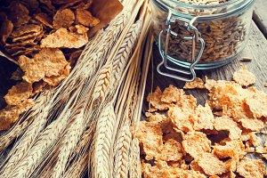 Wheat flakes, spikes and rye grain