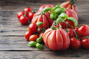 Sweet tomato and basil