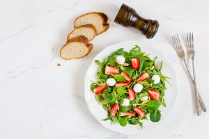 Green fresh salad with spinach