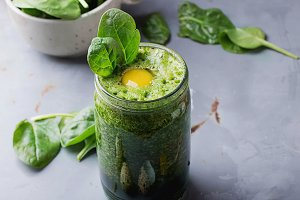 Smoothie with berry and spinach