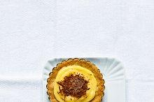 broken Dessert Tarts with lemon curd