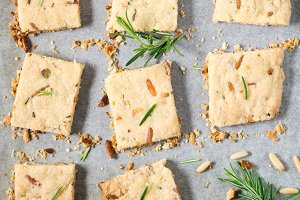 Cookies with rosemary and pignoli