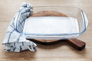 empty glass pan