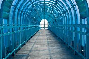 Blue tonnel