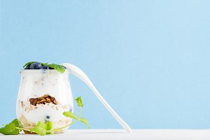 Yogurt oat granola with jam