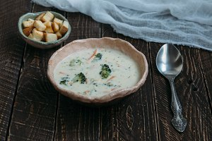 Сheese soup with broccoli