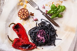 Black spaghetti with grilled vegetab