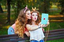 Best friends forever. Group selfies.