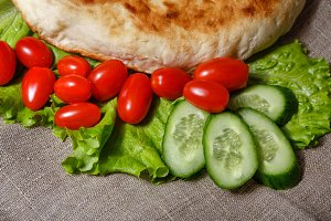 Pita bread and vegetables