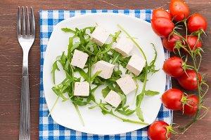 Arugula, tofu and tomatoes
