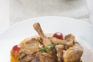 Poussin with grapes sauce