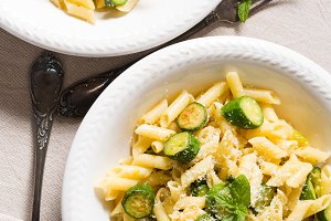 Short pasta with zucchini and mint