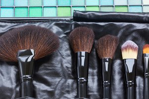Brushes and eye shadows
