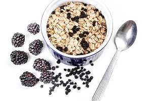 Muesli with blackberries
