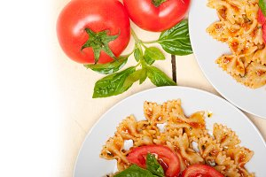 tomato and basil farfalle butterfly