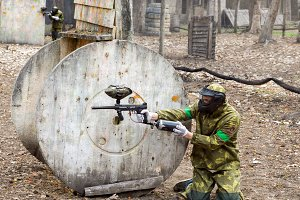 Paintball team during the game