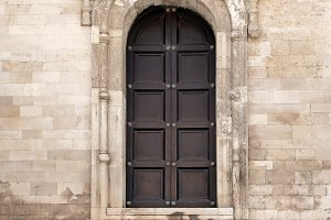 Old Italian Doorway and Arch. Bari. Italy.