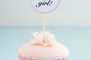 Baby shower girl cupcake
