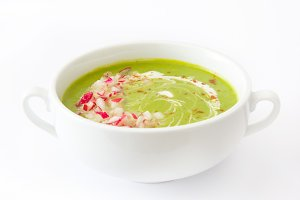 Pea cream with radishes
