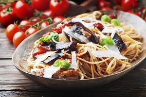 Italian pasta with eggplant