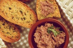 Pate with Crispy Bread