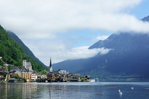 Panoramic picture postcard view of famous Hallstatt mountain village