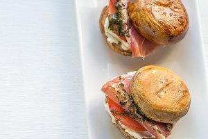 Mushroom burgers with jamon