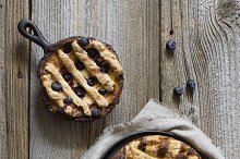 Rustic pie with berries