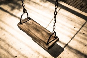 Old chain swing