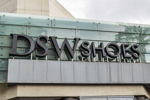 DSW Shoes logo sign exterior