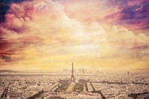 Paris skyline, uniqe sunset.