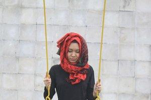 Hijaber swings