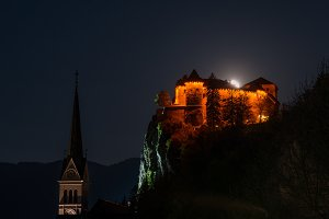 Bled castle at night
