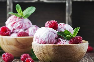 Delisious ice cream with berry