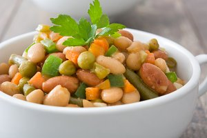 White beans with vegetables