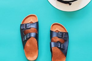 Summer leather sandals with hat