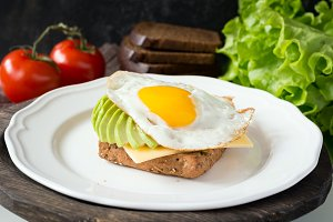 Egg, avocado and cheese toast